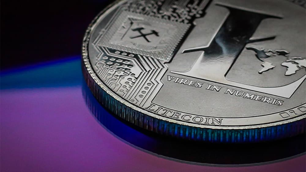 Litecoin Hashrate Drops to 40%, Is the Recent Reward Halving Responsible?