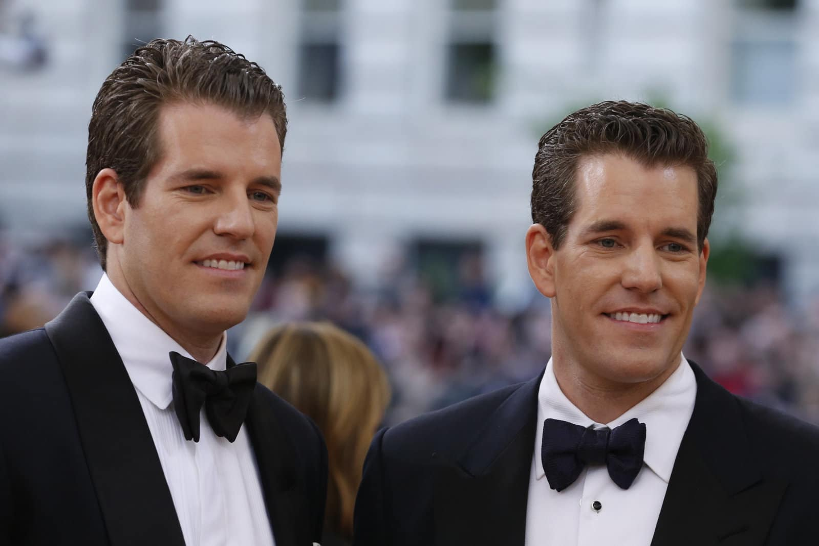 Winklevoss Twins Bought 200000 Bitcoins @ $7: Author of Bitcoin Billionaires