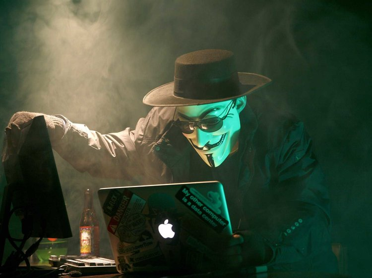 How to Become Completely Anonymous Using VPNs and Cryptocurrency
