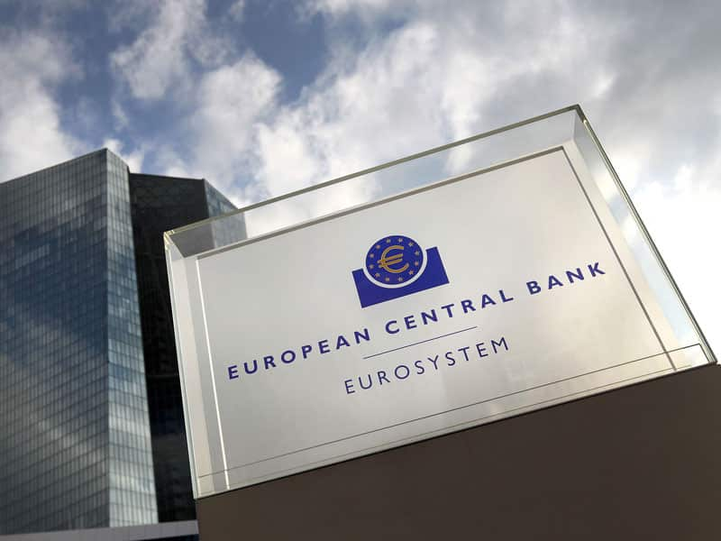 Is European Central Bank's Quantitative Easing Affecting Bitcoin Price? Analysts Debate