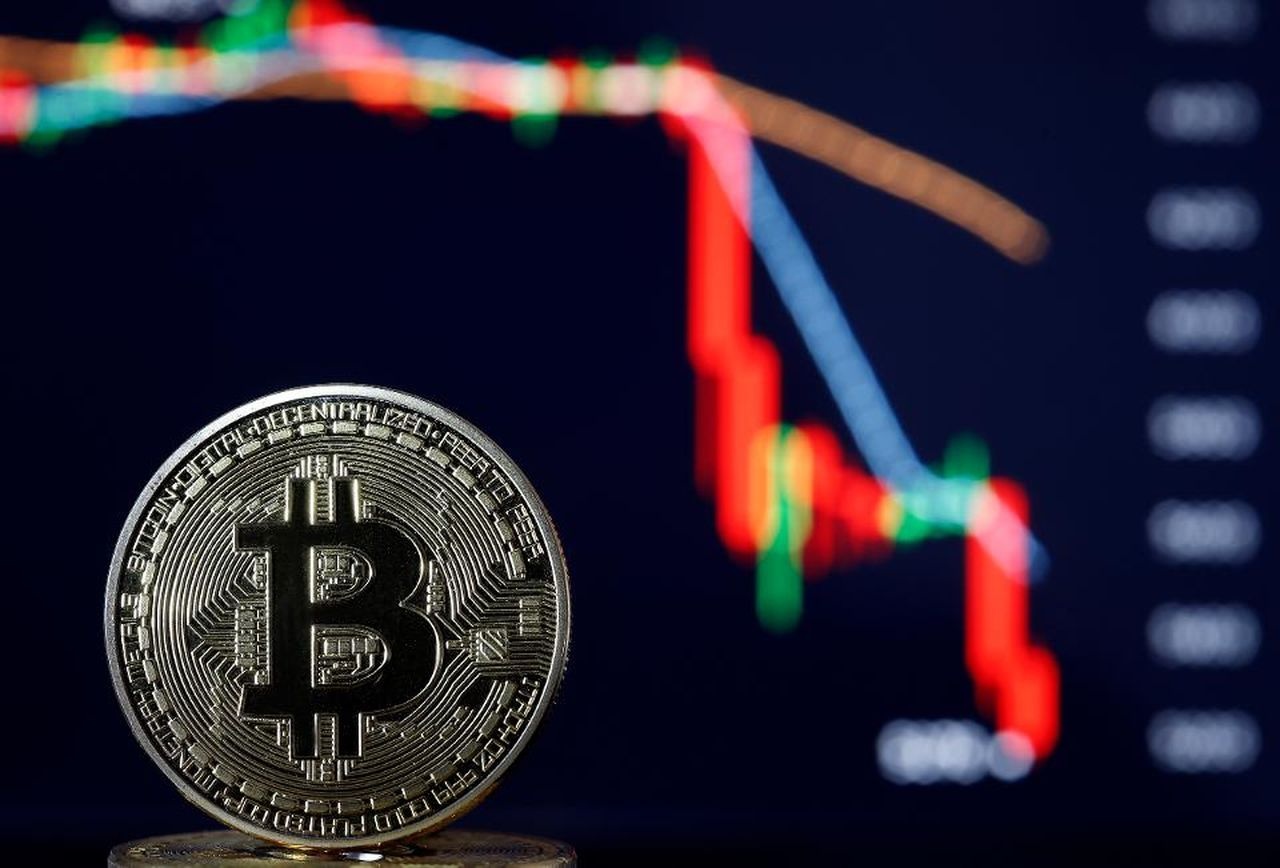 Bears Continue To Gain Momentum In Bitcoin - Are We About To Collapse?