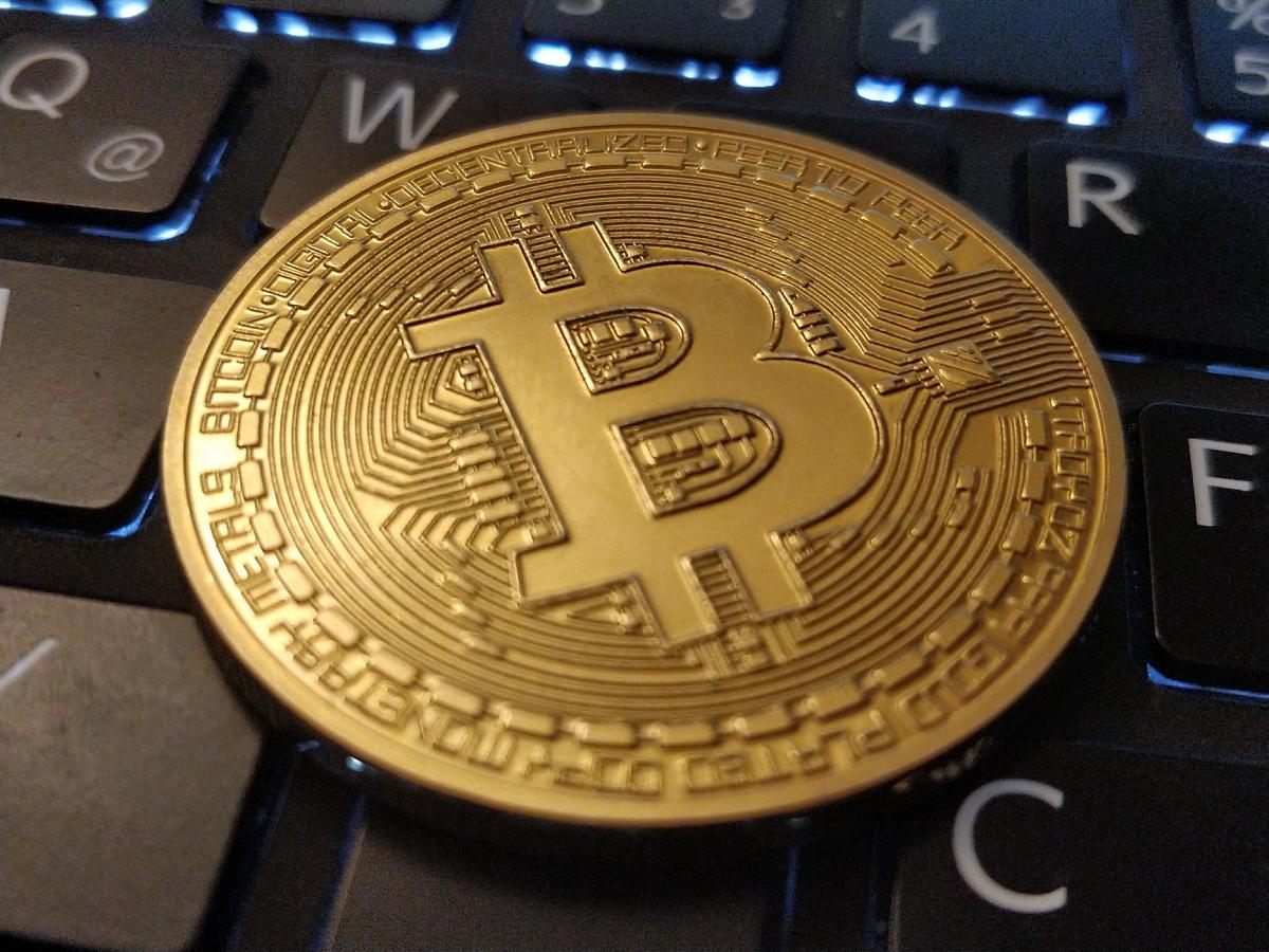 A Rejeição do Preço do Bitcoin em $10.000 Busca Demanda Nova Para Uma Volta Para $10.500