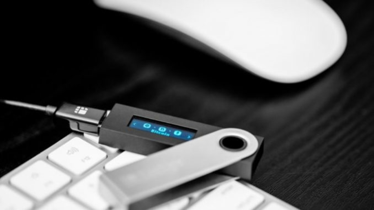 Alert: Couple Loses Over 14,000 XRP Tokens On a Ledger Chrome Extension