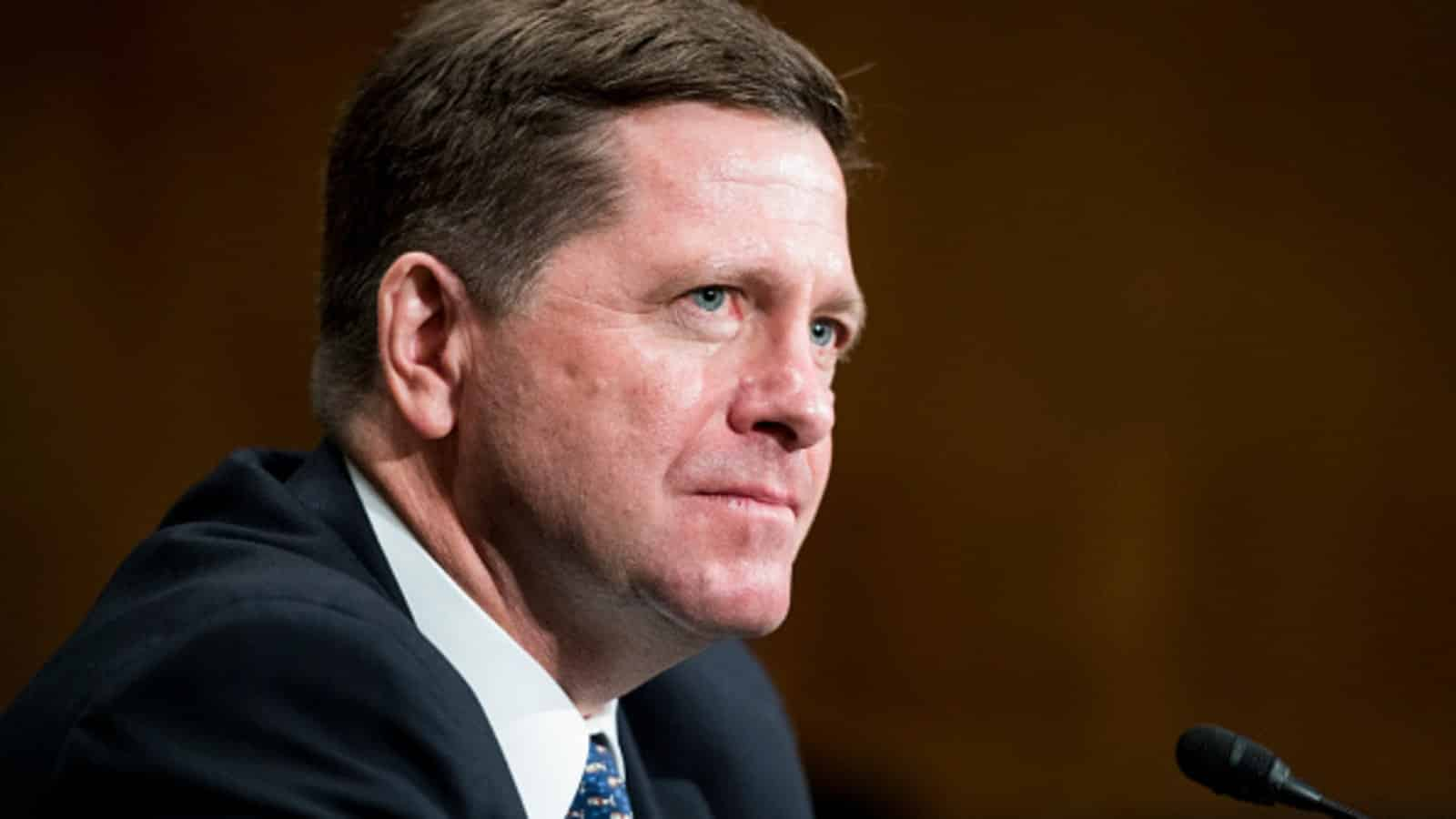 O Presidente da SEC, Jay Clayton, apoia A Inovação Nas Cripto, Mas Alerta para Qualquer Jogada Duvidosa