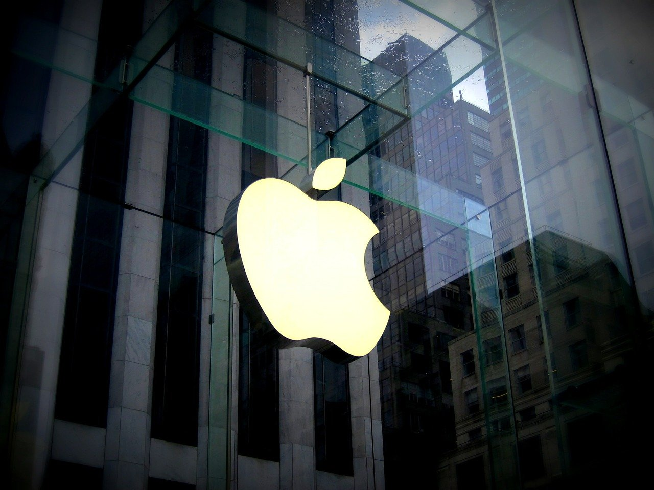 Apple Hiring Business Developers With Cryptocurrency Experience