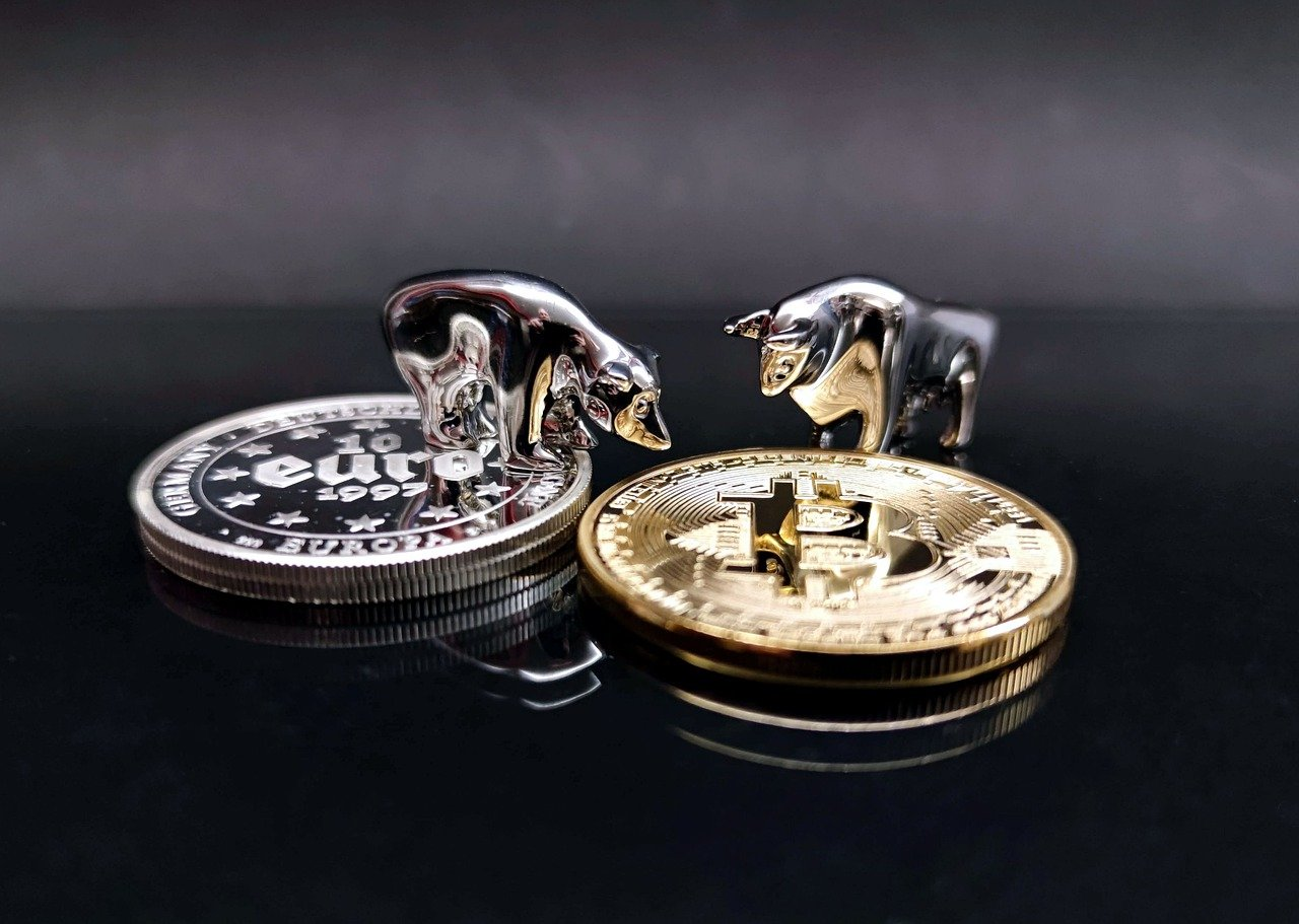 Will Bitcoin (BTC) Price See Another May Like Crash as $GBTC Share Unlock Begins
