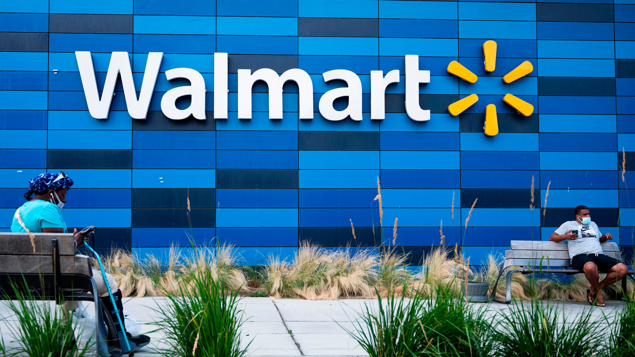 Why is Walmart Looking For a Cryptocurrency Expert?