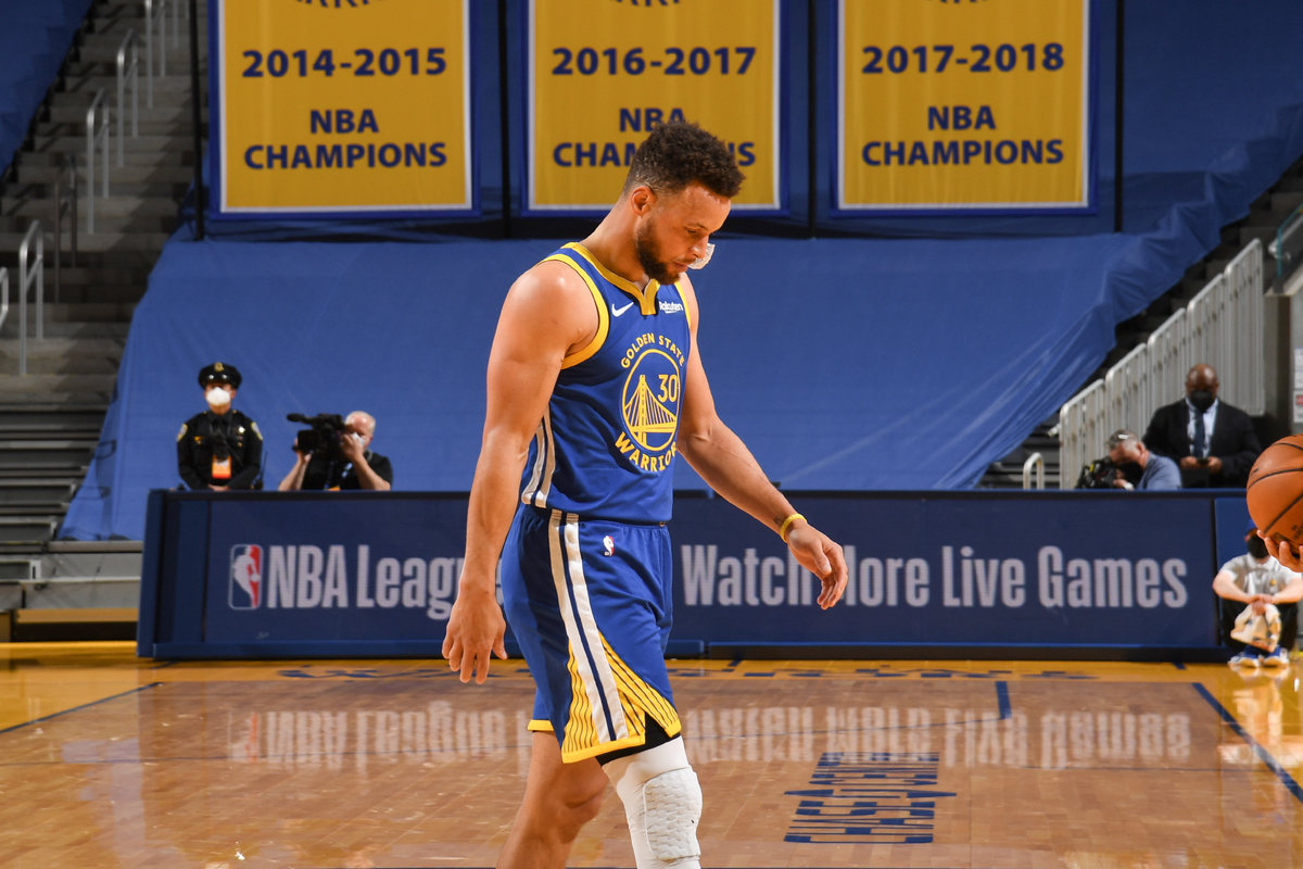 NBA Legend Stephen Curry Enters NFT Metaverse, Here's What He Bought